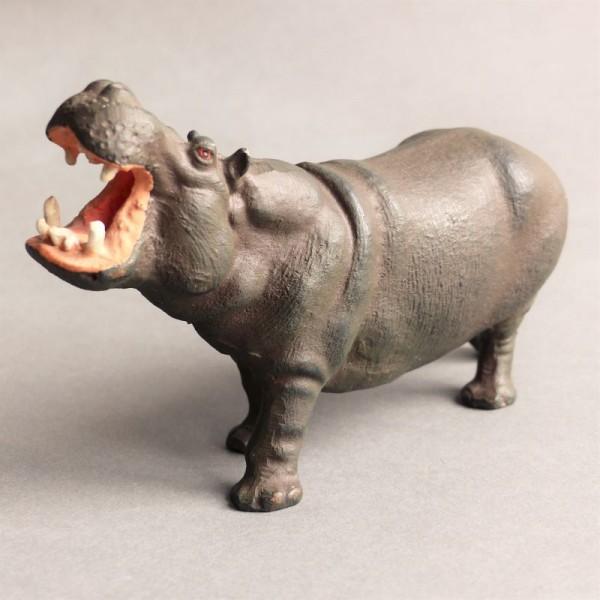 Antiguo juguete. Hipopótamo...