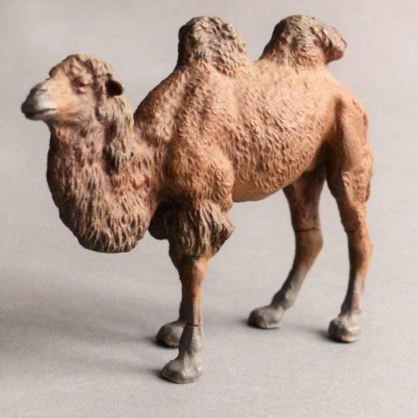 Antiguo juguete. Camello de...