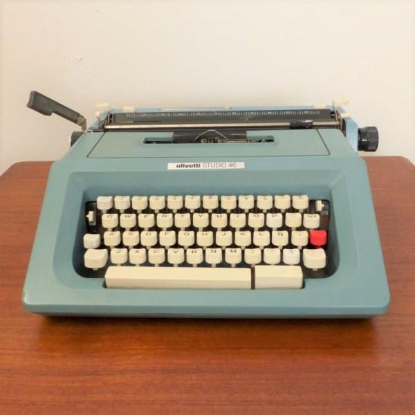 Vintage Typewriter Olivetti...